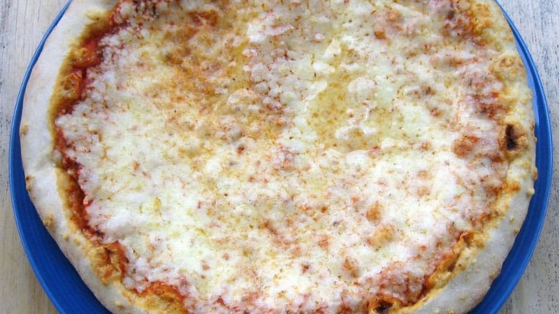 How-To-Use-A-Pizza-Stone-For-Frozen-Pizza