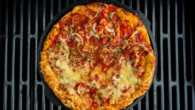 How-to-Cook-Pizza-On-The-Grill-Without-A-Stone