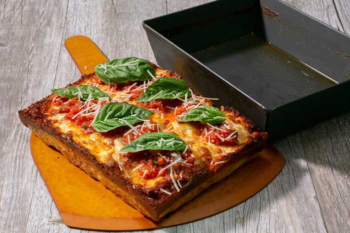 Detroit Style Pizza Pan