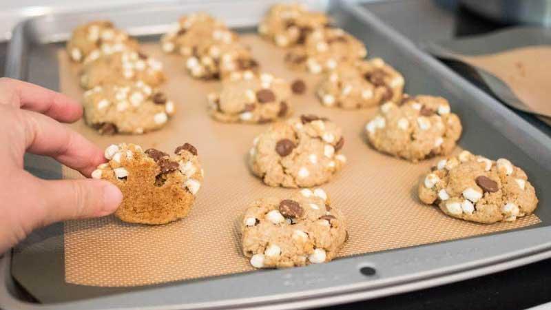Easy Ways to Keep Your Cookies Crisp