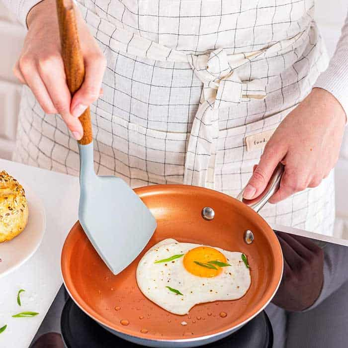 Spatula for Flipping Eggs