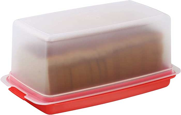 Storing the Bread in Plastic or Containers