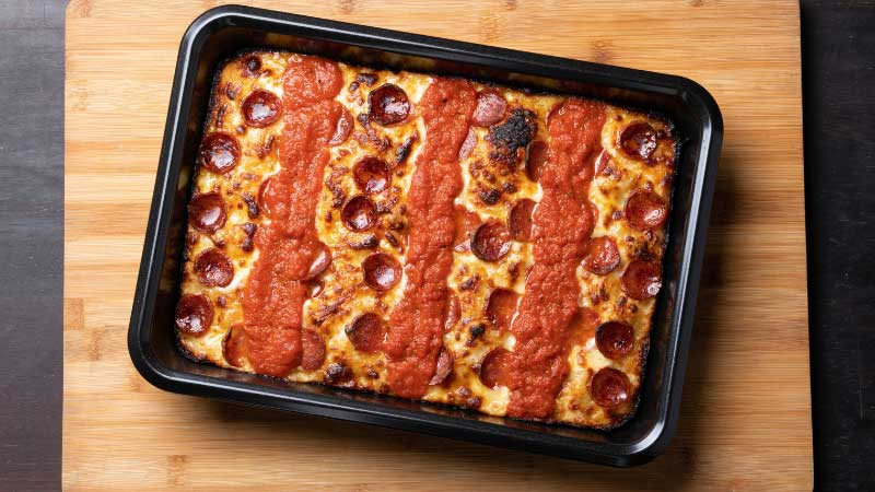 What is a Detroit Style Pizza Pan