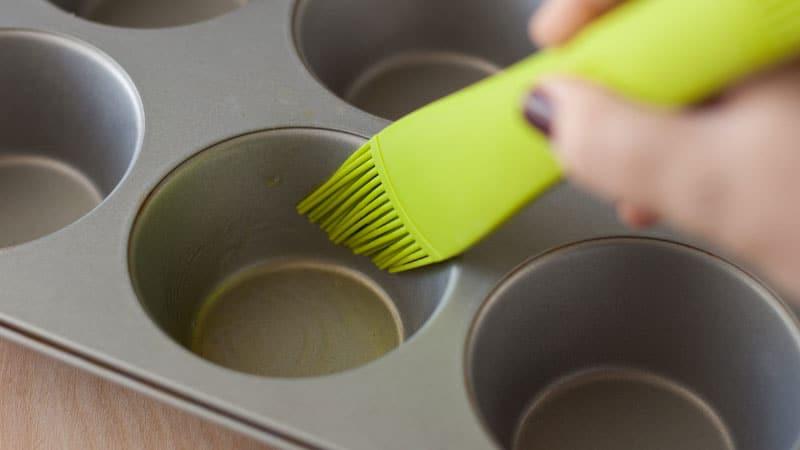 Make Cupcakes without a Cupcake Pan