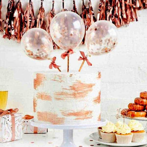Decorate a cake with Balloons