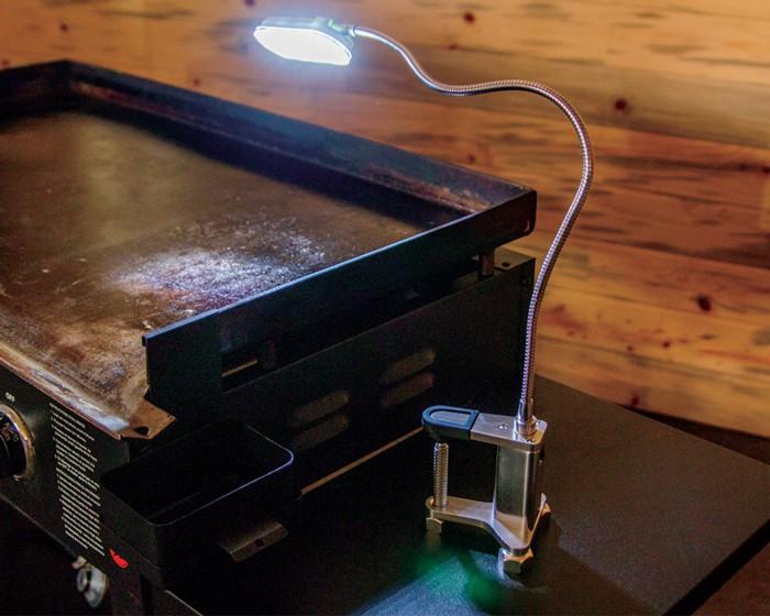 Magnetic griddle lamp