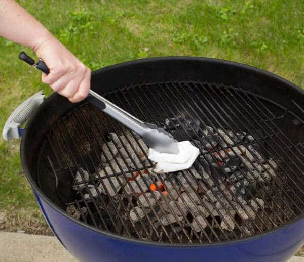 charcoal grill clean