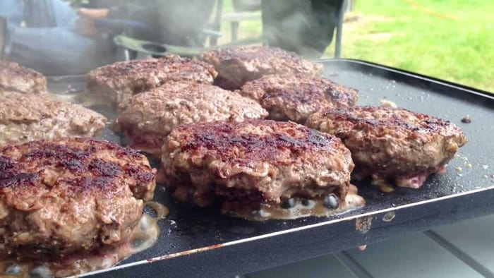 cook burgers on an electric griddle